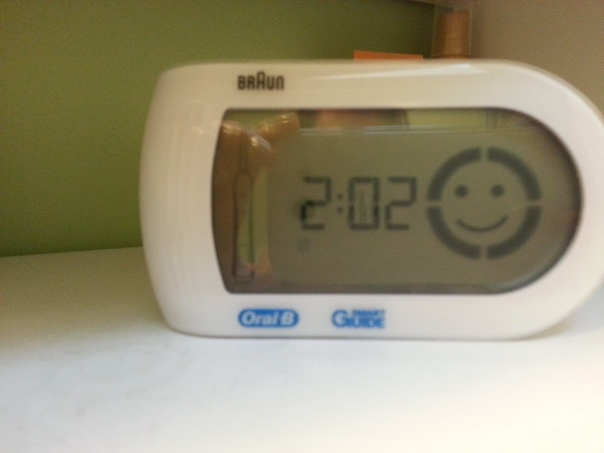 My tooth brush smiles at me when I hit two minutes. Who doesn't wan to see this every morning!